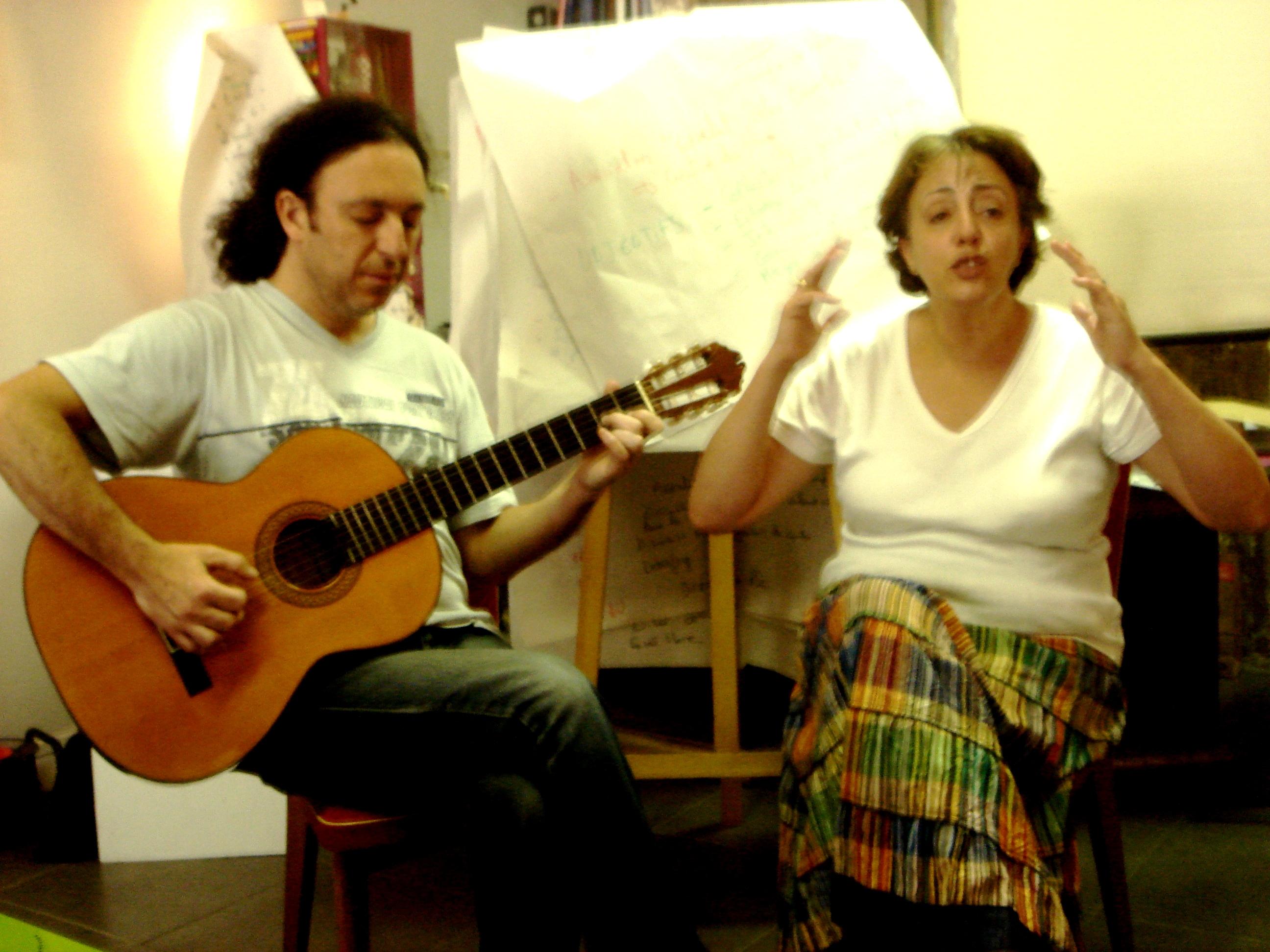 Luigi e Yamila cuntastorie algerina